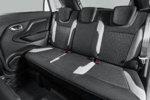 Комплектации и цены Лада х Рей Кросс в новом кузове